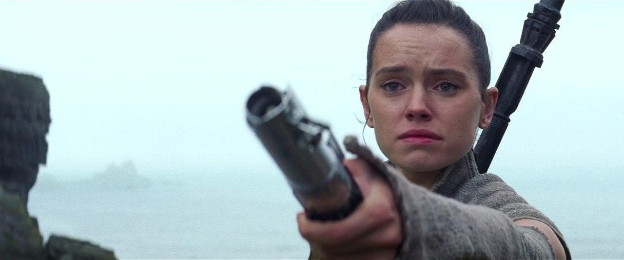 star wars the force awakens 2015 rey lightsaber