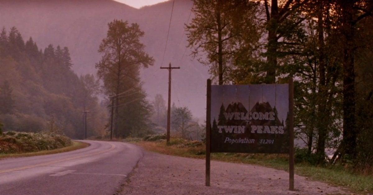 twin peaks opening scene sign
