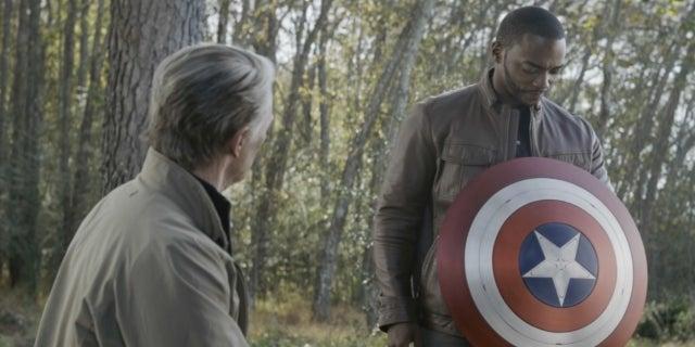 Chris Evans Anthony Mackie Captain America shield