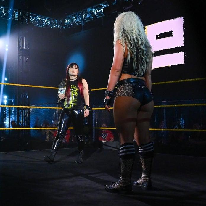 NXT-TakeOver-Toni-Storm-Triple-Threat-2