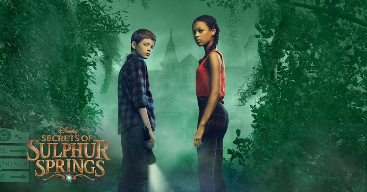 Estrenos de Disney+ marzo 2021 Disney Secrets of Sulphur Springs plot