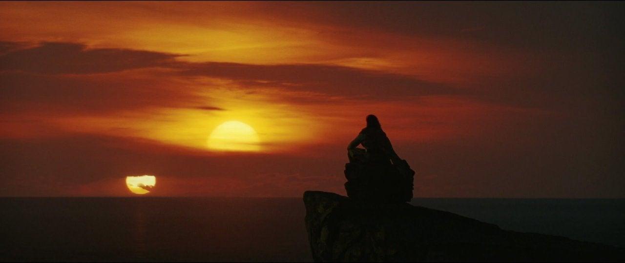 star wars the last jedi luke skywalker twin suns