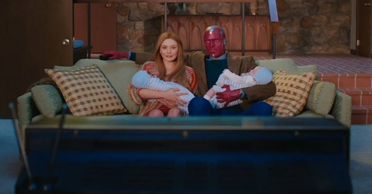 WandaVision: Elizabeth Olsen Won't Say if Scarlet Witch and Vision's Twins  Will Grow Up to Be Young Avengers