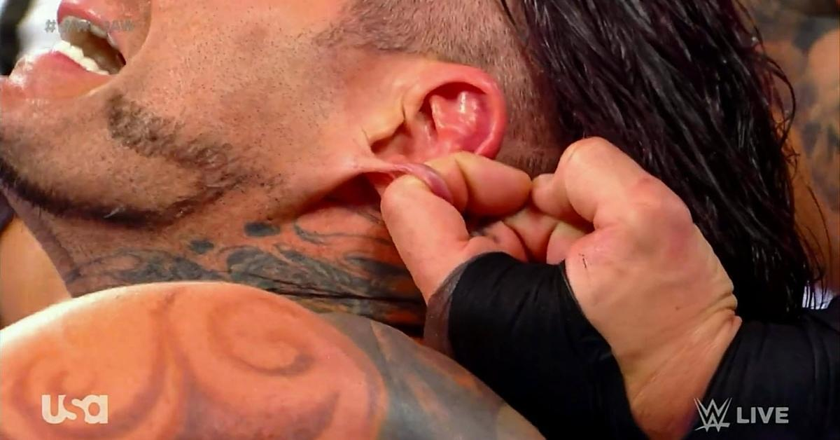 WWE Raw Legends Night Randy Orton Jeff Hardy Earlobes Pull Reactions