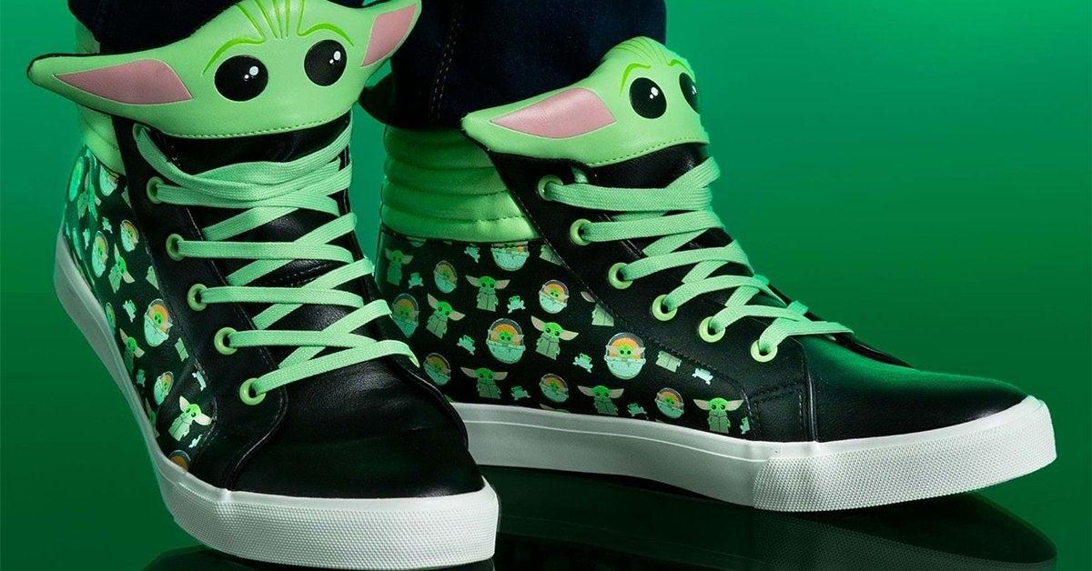 baby-yoda-sneakers
