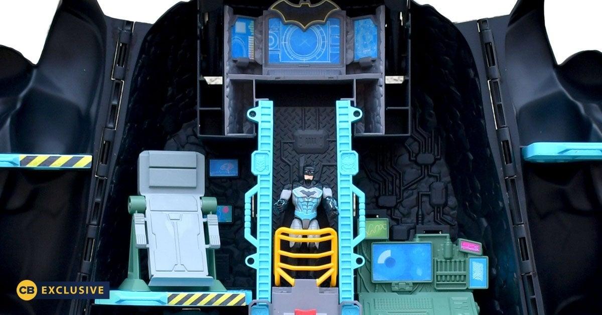 Batman-Bat-Tech-Exclusive