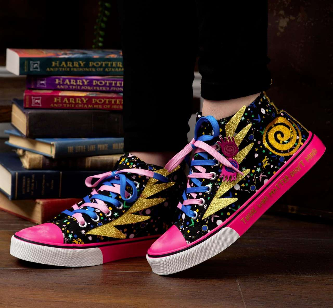 harry-potter-luna-lovegood-sneakers-2