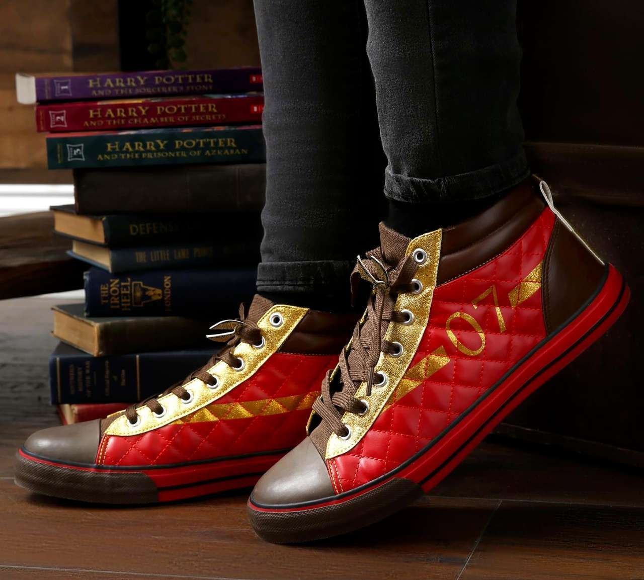 harry-potter-quidditch-sneakers