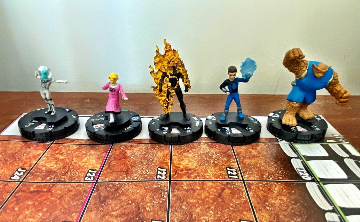 Marvel Fantastic Four Future Foundation HeroClix 002