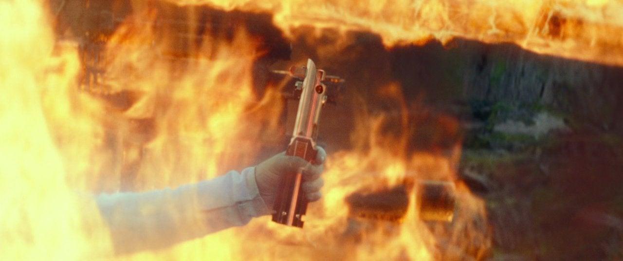 star wars the rise of skywalker lightsaber luke fire ghost