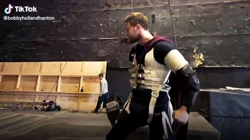 thor love and thunder mjolnir tiktok stunt