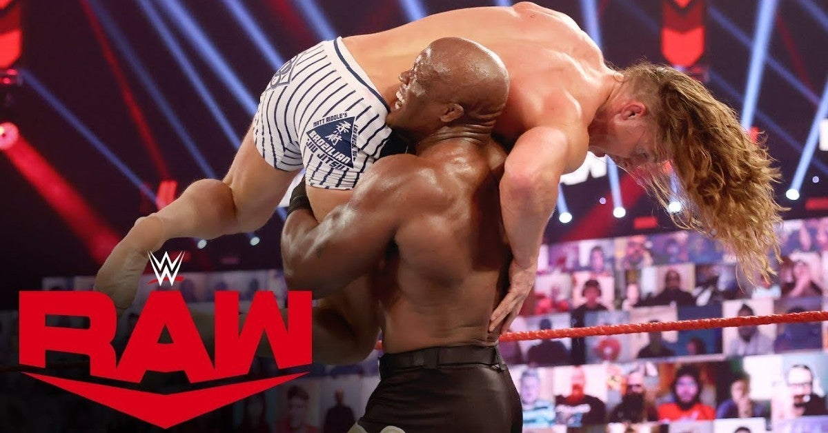 WWE-Bobby-Lashley-Riddle-Fight-Pit