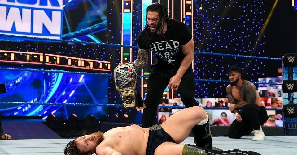 WWE-Daniel-Bryan-Roman-Reigsn-Universal-Title