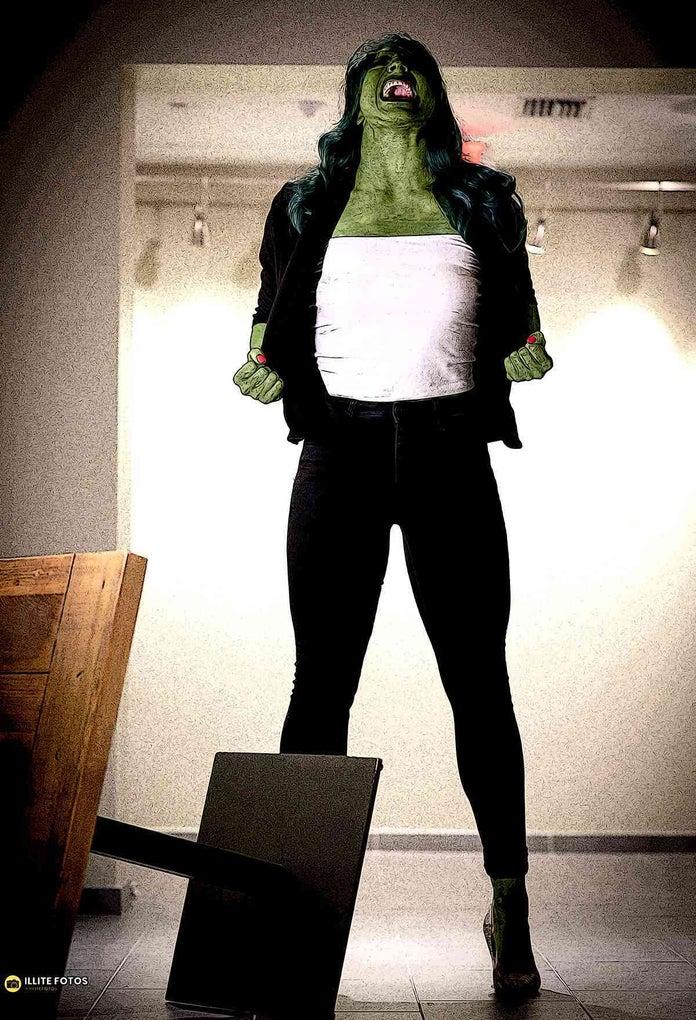 Raquel-Gonzalez-She-Hulk-Cosplay-1