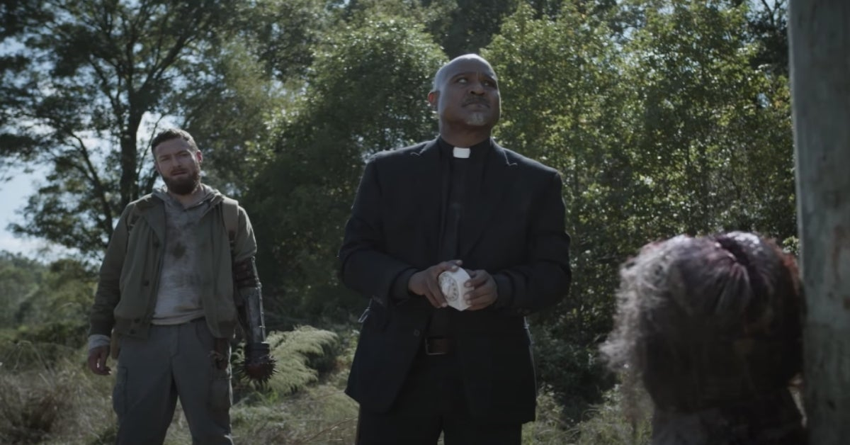 The Walking Dead 1019 One More Aaron Father Gabriel timer