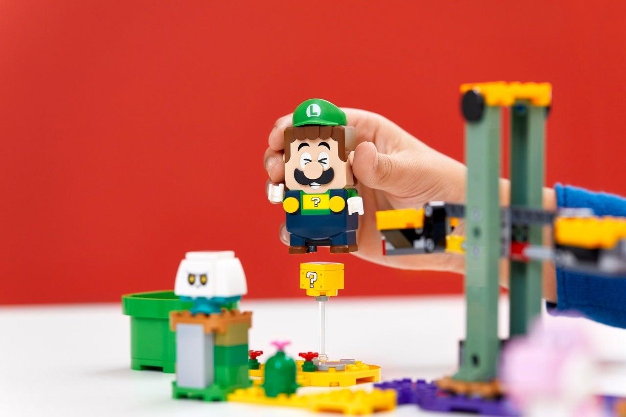 71387_LEGO_Super Mario_2HY21_Reaction_03