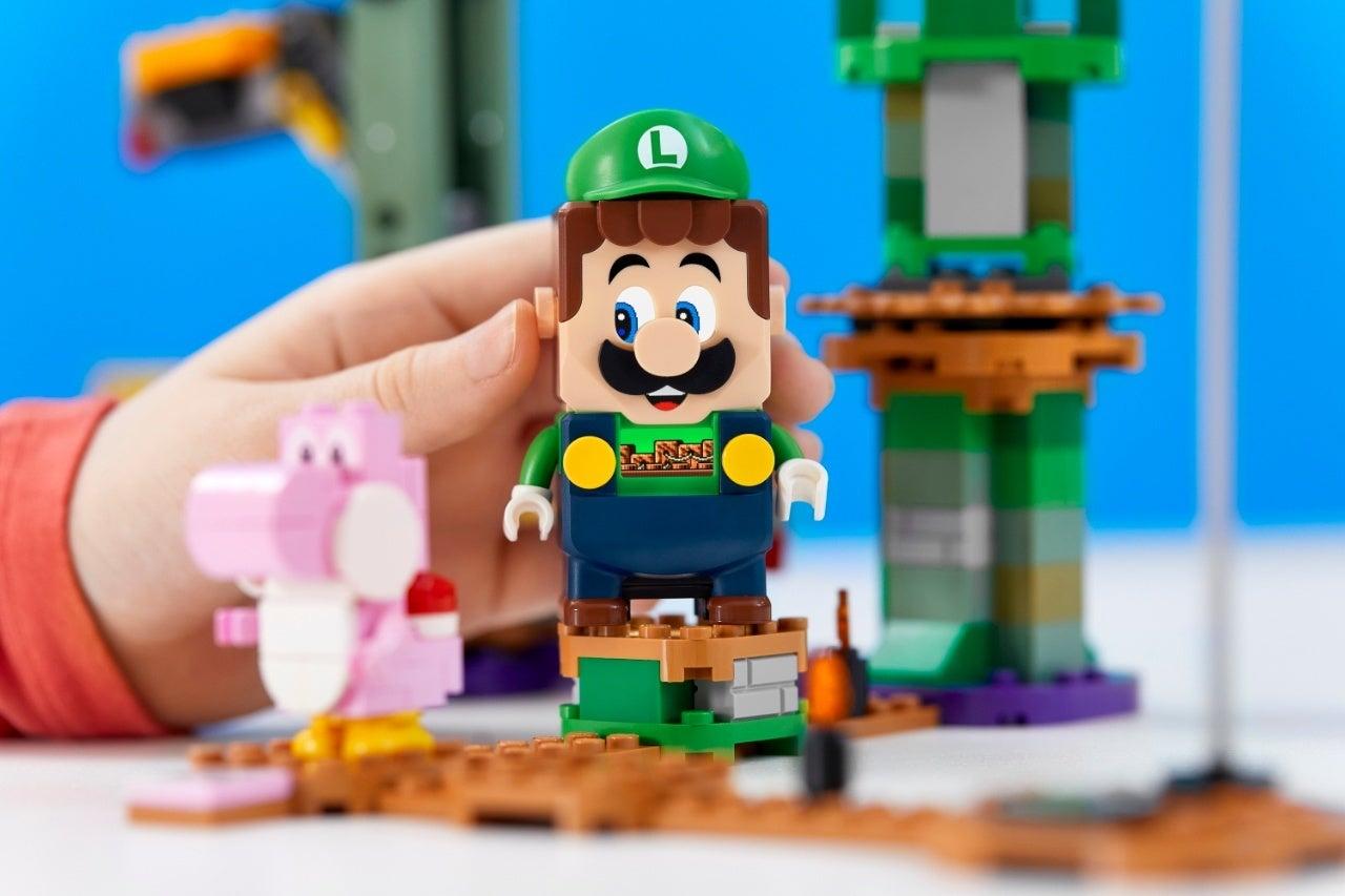 71387_LEGO_Super Mario_2HY21_Reaction_08