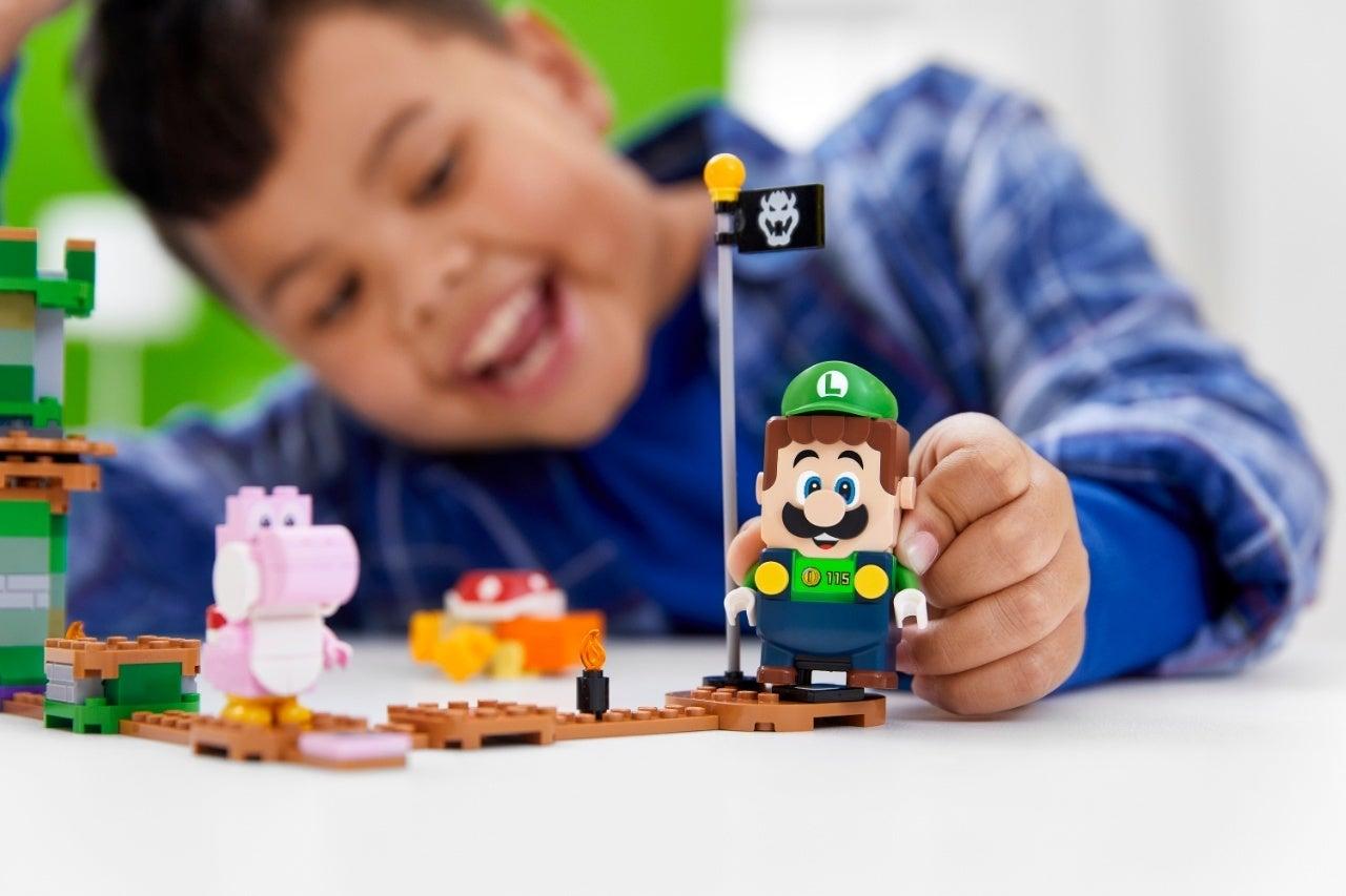 71387_LEGO_Super Mario_2HY21_Reaction_11