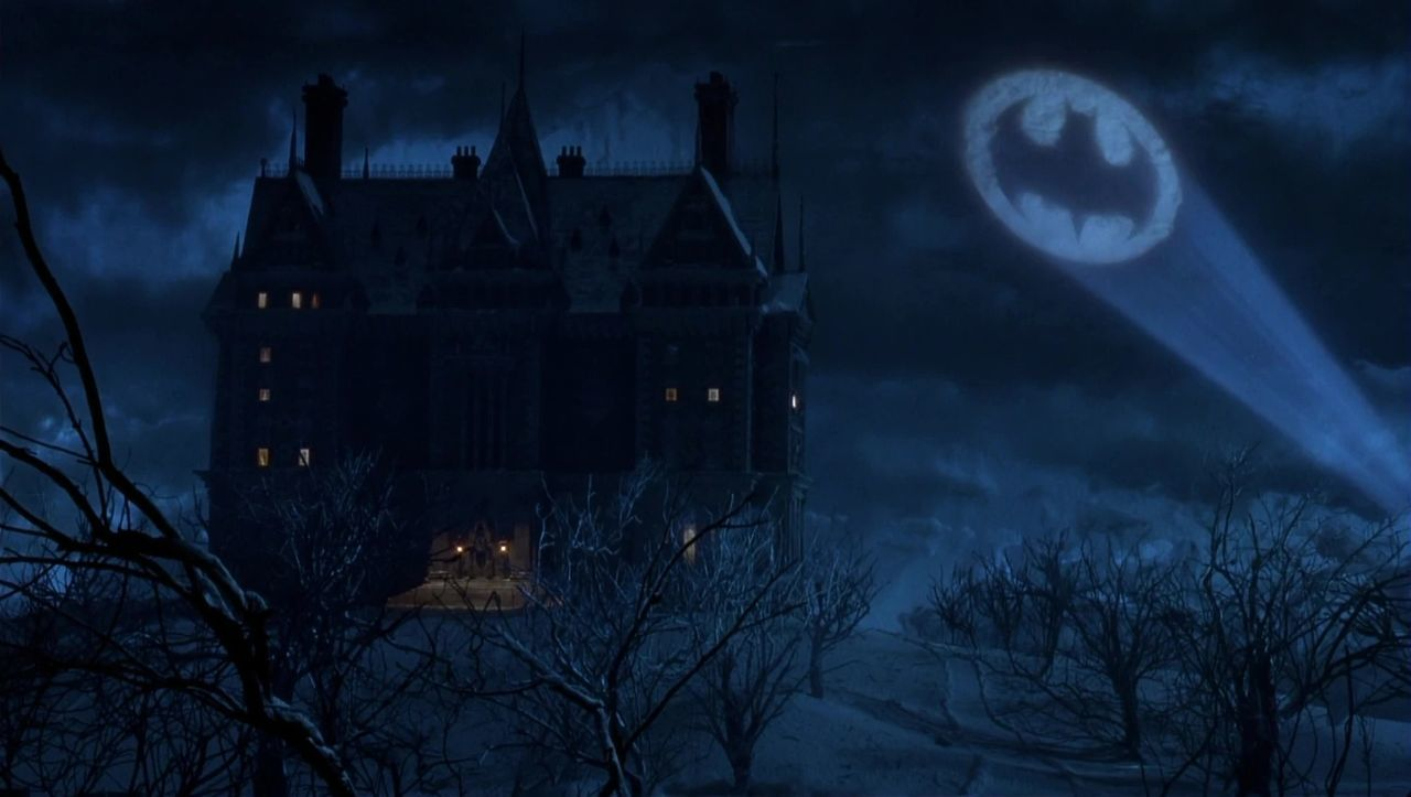 batman-returns-wayne-manor
