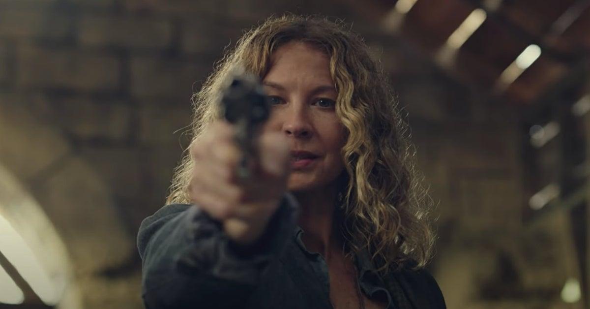 Fear the Walking Dead June Dorie Jenna Elfman 609 Things Left to Do