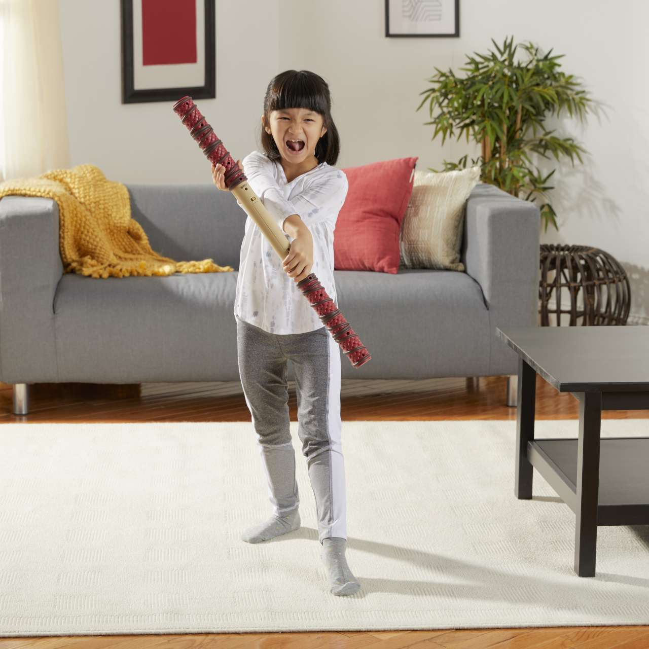 MARVEL SHANG-CHI AND THE LEGEND OF THE TEN RINGS BATTLE FX BO STAFF - lifestyle (3)