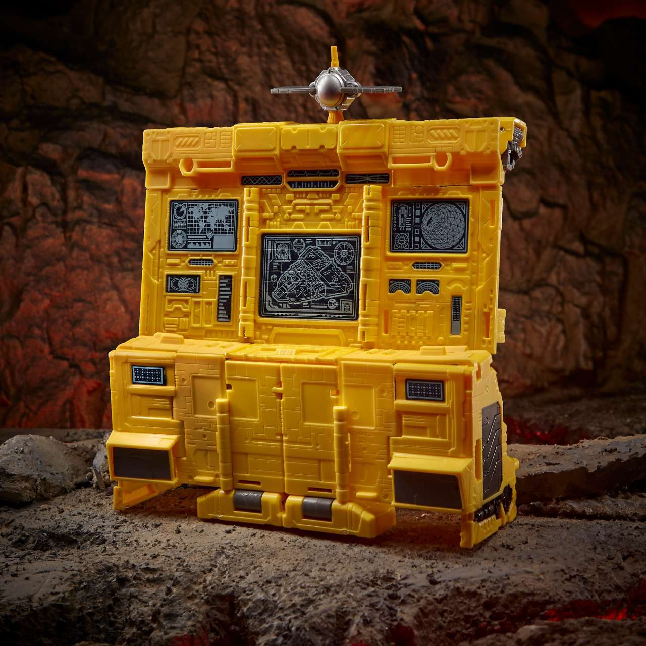 tranformers-autobot-ark-F1152_DIO_TRA_GEN_WFC_K_Titan_Class_Ark_5_Online_2000SQ