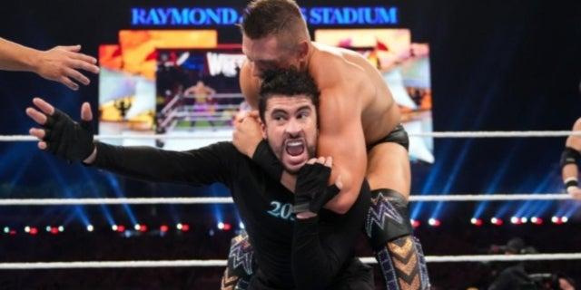 WWE-Bad-Bunny-WrestleMania-37-miz