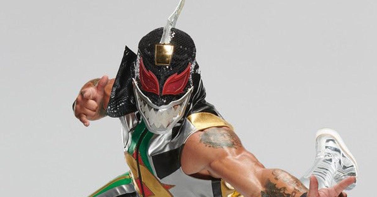 WWE-Lince-Dorado-Power-Rangers-Dragonzord