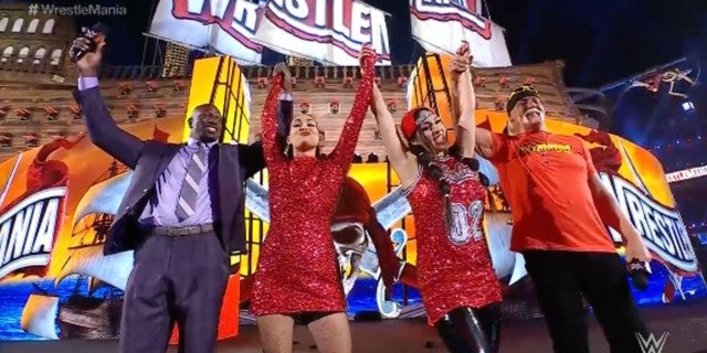WWE-WrestleMania-Bella-Twins-Bayley