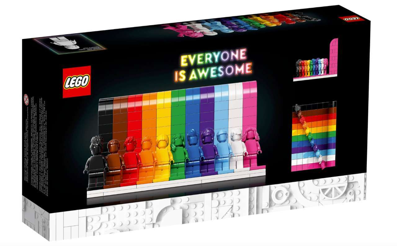 LEGO-Everyone-Is-Awesome-Packaging