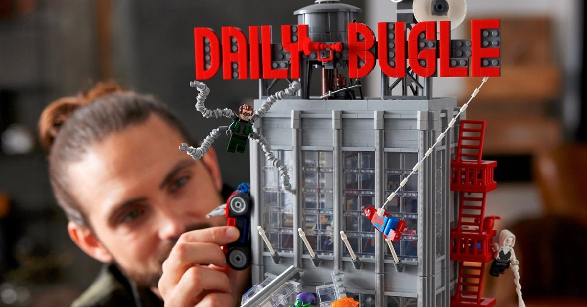 lego-spider-man-daily-bugle-top