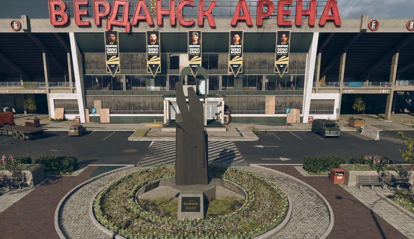 Warzone Statue