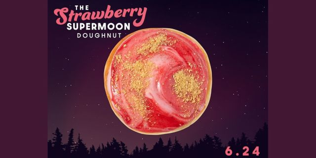 krispy kreme strawberry supermoon