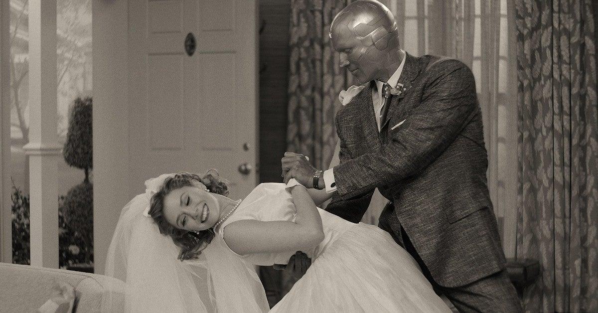 Marvel Elizabeth Olsen Reveals She Got Married Husband Robbie Arnett