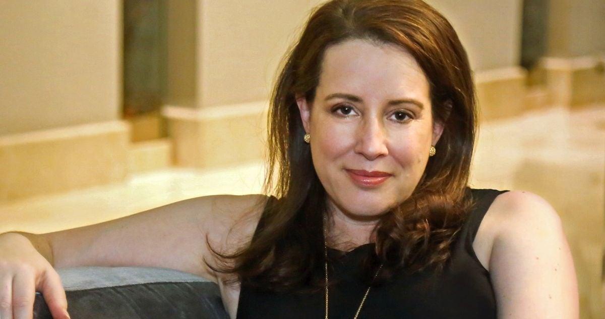 bridgerton-author-julia-quinns-father-and-sister-die-car-accident