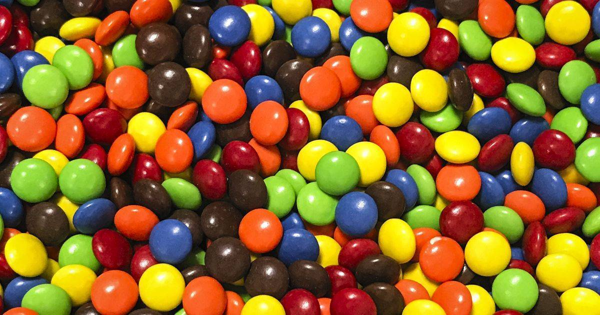 guinness book of world records tallest stack of M&Ms