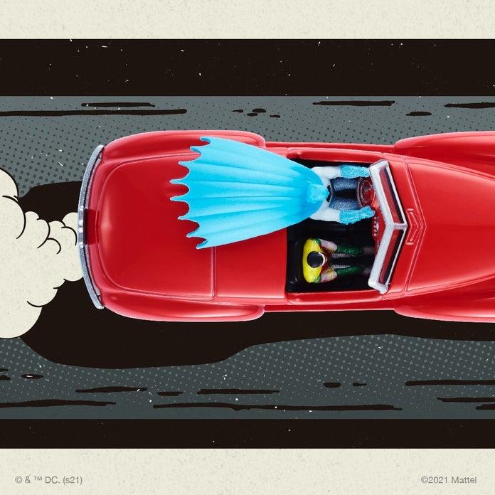 Hot-Wheels-Batman-Batmobile-5