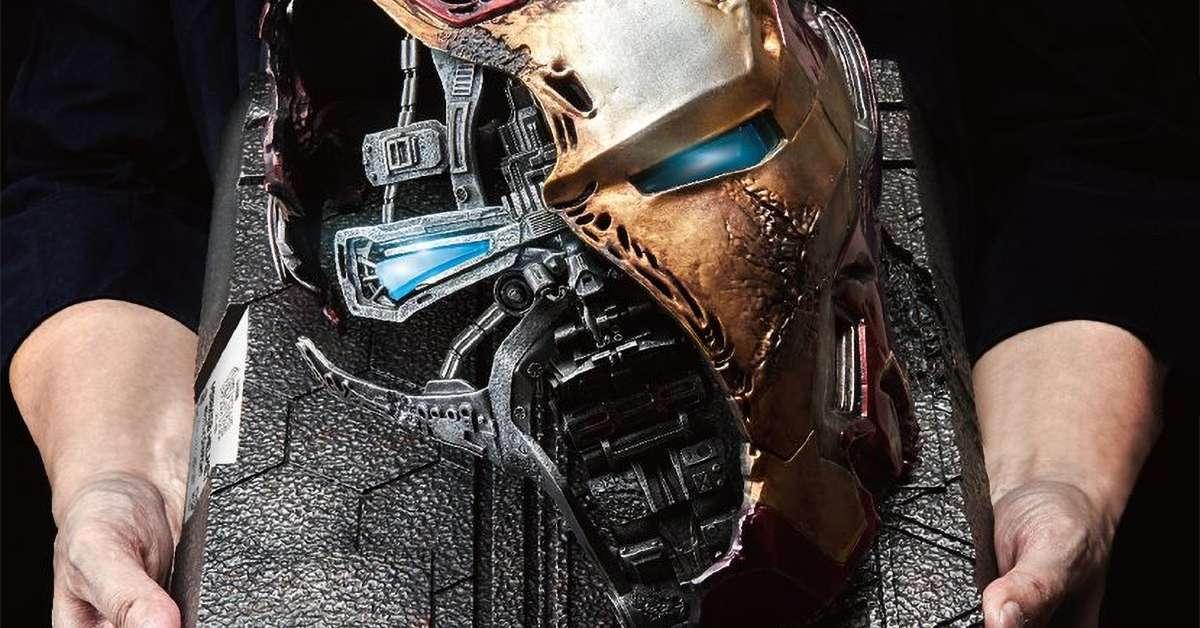 iron-man-helmet-statue-top