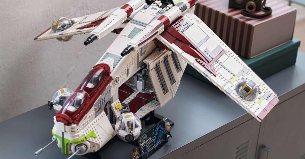 lego-gunship-top