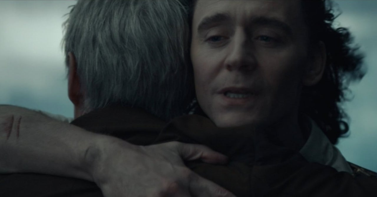 That Mobius and Loki Hug Has Marvel Fans In Awe