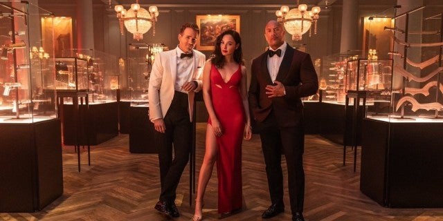 Netflix Red Notice Release Date Dwayne Rock Johnson Ryan Reynolds Gal Gadot
