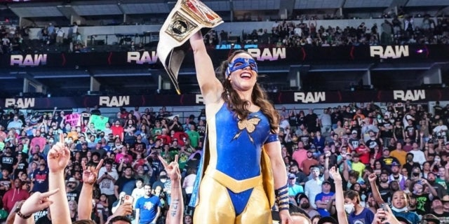 Nikki Cross (WWE)