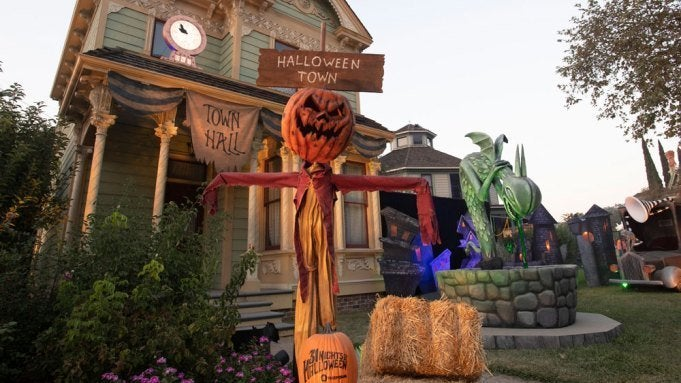 halloween road freeform october event