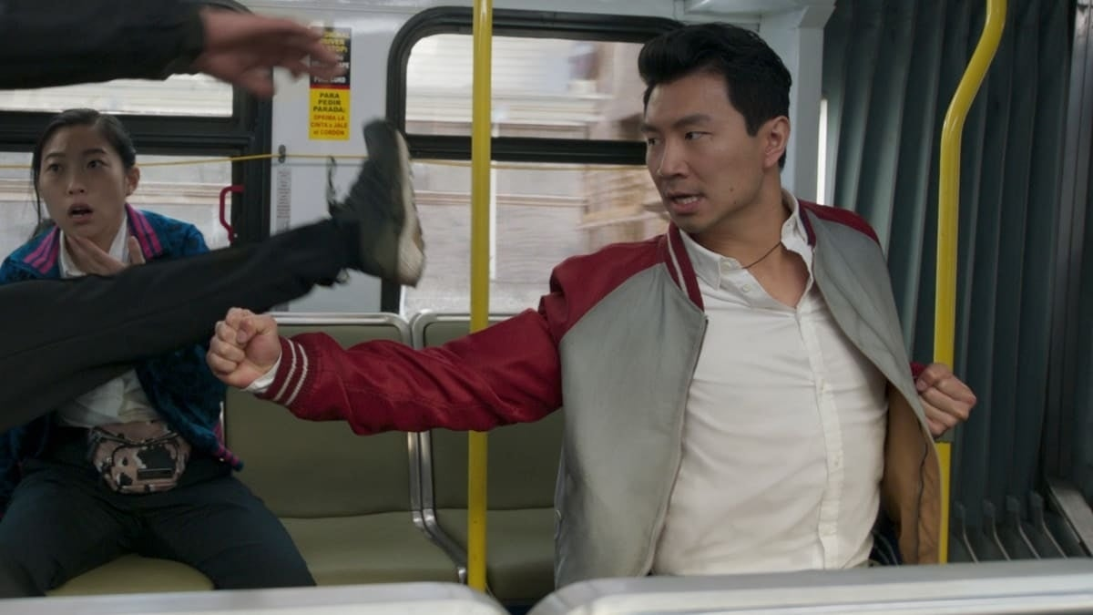 shang-chi bus fight