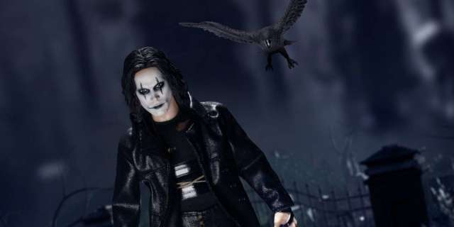the-crow-one12-figure-top