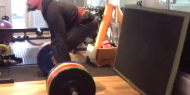 hugh jackman dead lifts