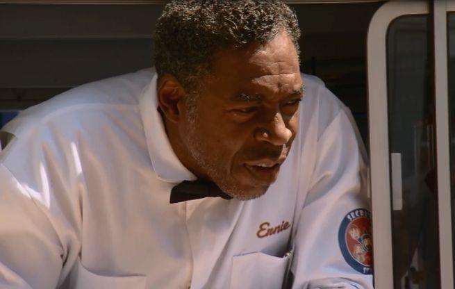 Ghostbuster Ernie Hudson Guest Stars On Comic Book Men Midseason Finale
