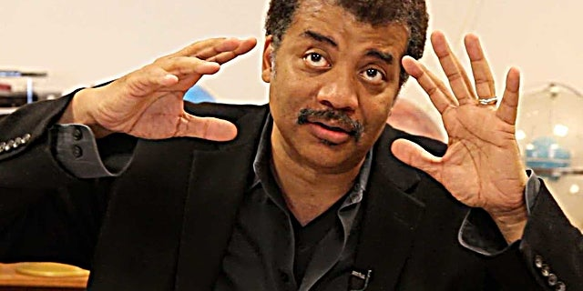 neil-degrasse-tyson-was-not-impressed-with-gravity-and-is-going-ballistic-about-it-on-twitter