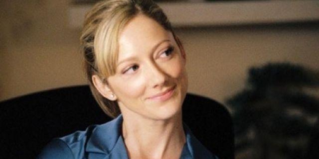 Modern-Family-Judy-Greer-la-Kitty-Sanchez-d-Arrested-Development-au-casting portrait w532