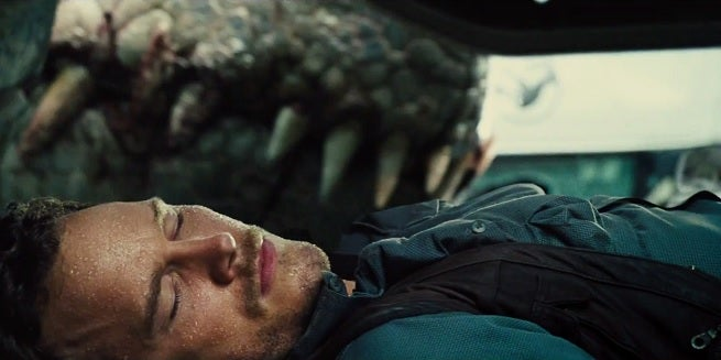 jurassic-world-i-rex-teeth